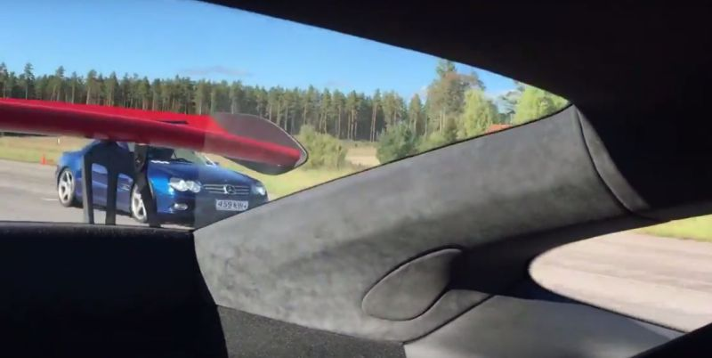 porsche-911-gt3-rs-pdk-drag-races-mercedes-sl600-the-v12-merc-packs-a-surprise_3