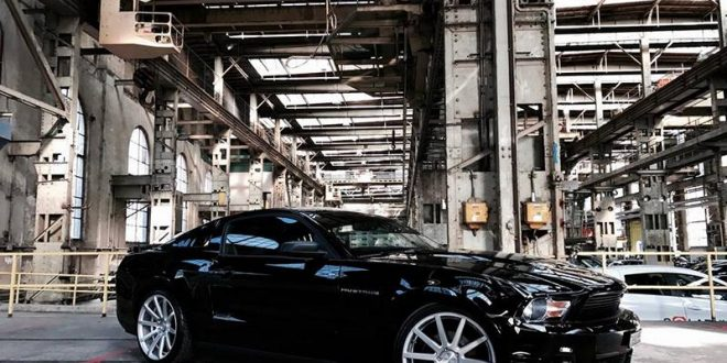 Dezent – 20 Zoll Corspeed Deville Alu's am Ford Mustang LAE