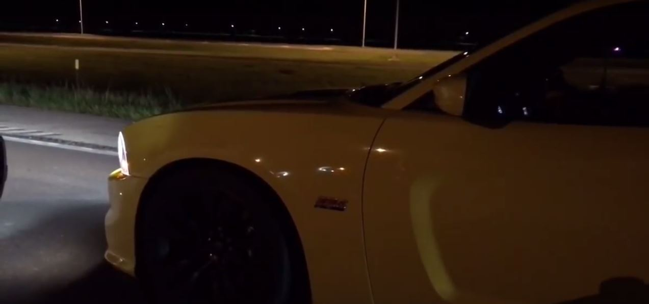 dragerace-ford-focus-rs-vs-370z-srt8-und-golf-gti