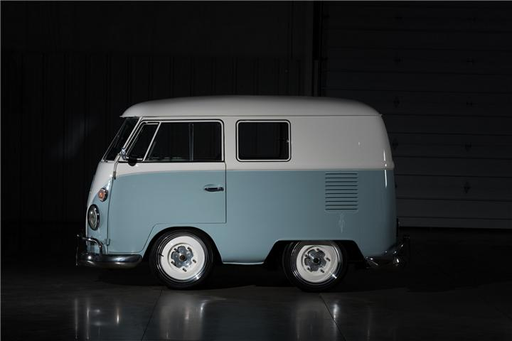 fast-n-loud-vw-bulli-bus-kurzversion-6