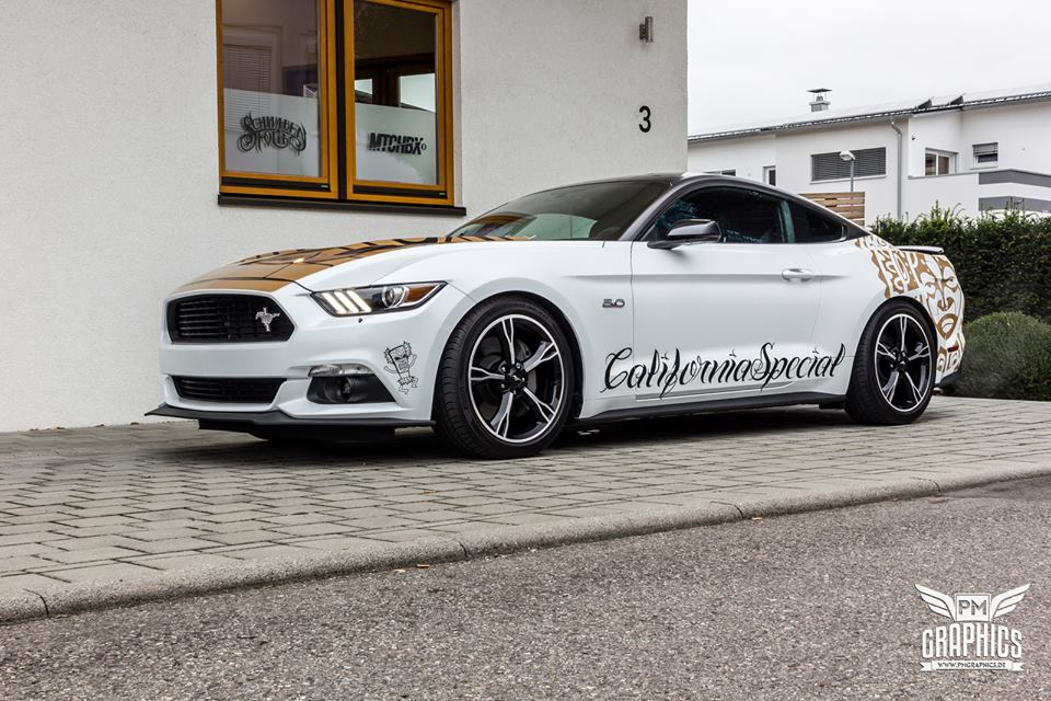 Ford Mustang Folierung Diamond White Tuning 1 Ford Mustang in Diamond White by SchwabenFolia CarWrapping