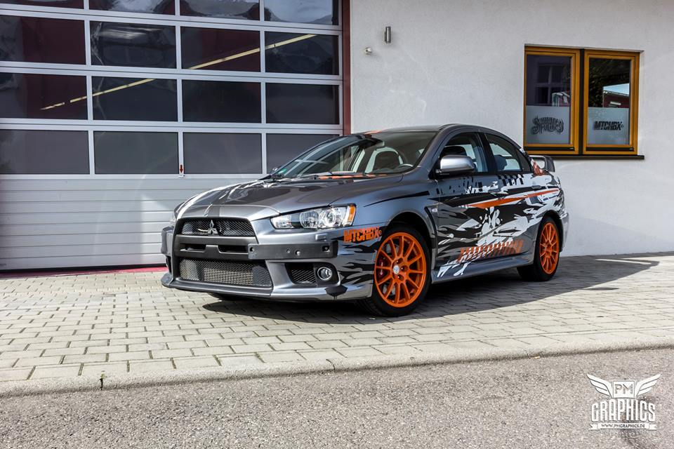 Mitsubishi EVO X Puddle of Racing Design Folierung 1 Neuer Look   Mitsubishi EVO X im Puddle of Racing Design