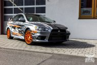 Mitsubishi EVO X Puddle of Racing Design Folierung 4 190x127 Neuer Look   Mitsubishi EVO X im Puddle of Racing Design
