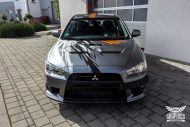 Mitsubishi EVO X Puddle of Racing Design Folierung 5 190x127 Neuer Look   Mitsubishi EVO X im Puddle of Racing Design