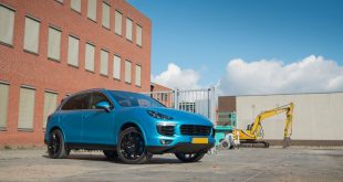 Satin Ocean Shimmer Blau Porsche Cayenne Folierung 3 310x165 Satin Ocean Shimmer am Porsche Cayenne by JD Customs