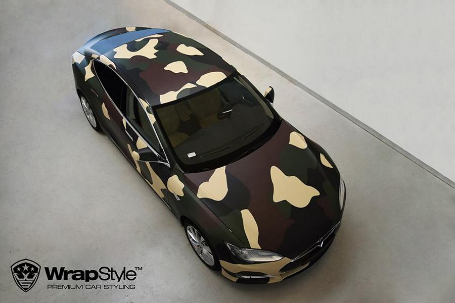 Tesla Model S Camouflage Design Tuning 7 Tesla Model S im Camouflage Design by WrapStyle Denmark