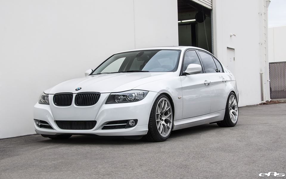 alpine white bmw e90 335i apex race ec 7 wheels by eas magazine. Black Bedroom Furniture Sets. Home Design Ideas