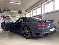 Porsche 991 Turbo S Folierung Tuning Stone Grey Gloss 3 190x143 Schicker Style   Porsche 991 Turbo S in Stone Grey Gloss