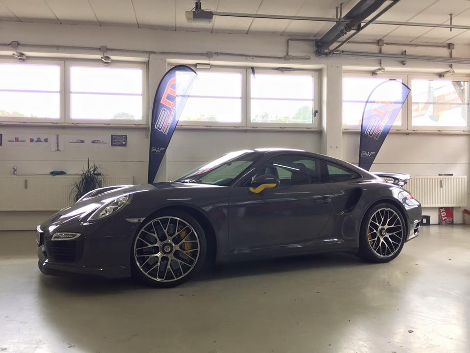 Porsche 991 Turbo S Folierung Tuning Stone Grey Gloss 5 Schicker Style   Porsche 991 Turbo S in Stone Grey Gloss