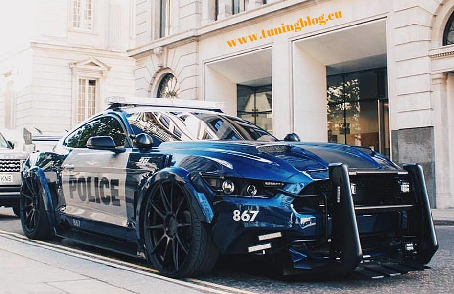 Rendering Ford Mustang Polizeifahrzeug Tuning 1 Extrem tief und brutal   Ford Mustang Polizeifahrzeug