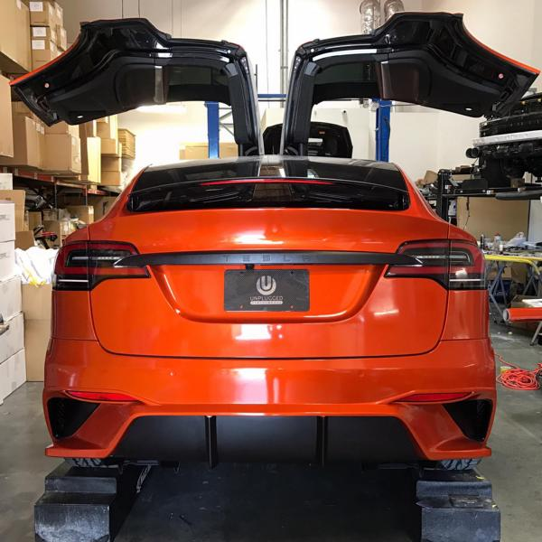 Tesla Model X Bodykit Tuning Unplugged Performance 2 Tesla Model X mit Bodykit von Unplugged Performance