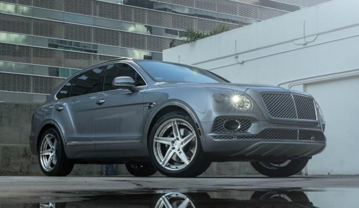 22 Zoll ADV.1 ADV05RM Wheels Tuning Bentley Bentayga 4 22 Zoll ADV.1 ADV05RM Wheels am Bentley Bentayga