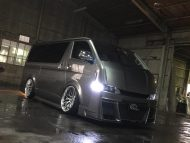 Bodykit Toyota Hiace 2000 2016 Bus Airride 1 190x143 Extrem anders   Toyota 200 Hiace vom Tuner Kuhl Racing