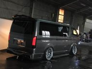 Bodykit Toyota Hiace 2000 2016 Bus Airride 2 190x143 Extrem anders   Toyota 200 Hiace vom Tuner Kuhl Racing