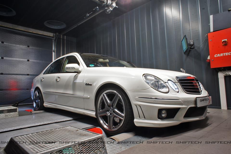 tired mercedes benz amg e63 6 2 v8 w211 of shiftech lyon. Black Bedroom Furniture Sets. Home Design Ideas