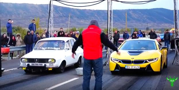 Video Drag Race 340ps Dacia 1300 Wheel Against Bmw I8
