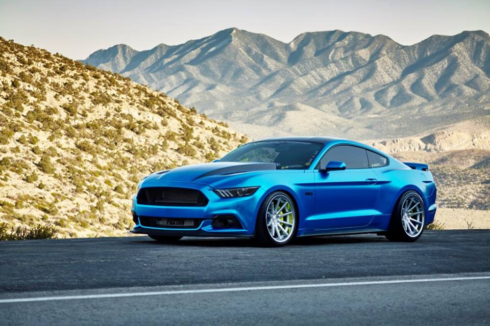 ford mustang gt ferrada fr4 roues chrom es foiling bleu 10 magazin. Black Bedroom Furniture Sets. Home Design Ideas