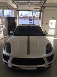 Porsche Macan Folierung mattwei%C3%9F Tuning 6 190x253 Porsche Macan von 2M Designs mit Voll Folierung in Mattweiß