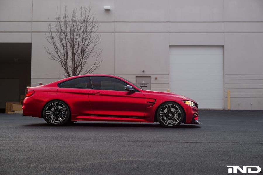mattrot Folierung BMW M4 F82 Coupe Tuning iND Distribution 8 Mega schick   BMW M4 F82 Coupe von iND Distribution