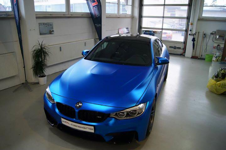 Blau Chrom Matt Folierung Von 2m Designs Am Bmw M4 F82 Tuningblog Eu Magazin