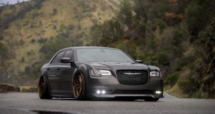 CHRYSLER 300 S 22 AGL27 SPEC1 SPEC2 Felgen Tuning 6 310x165 Highlight   Tiefer Chrysler 300 auf 22 Zoll AGL27 Felgen in Bronze