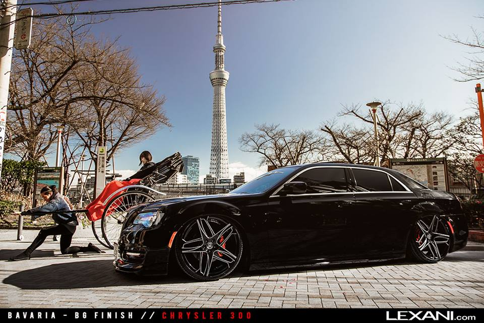 Chrysler 300C 22 Zoll Lexani Bavaria Wheels Airride Tuning 1 Chrysler 300 auf 22 Zoll Lexani Bavaria Wheels & Airride