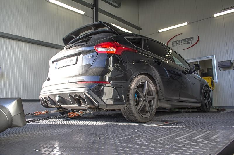 Ford Focus RS DTE Powercontrol chiptuning pedalbox 2 1 362PS & 535NM im Ford Focus RS von DTE Systems GmbH