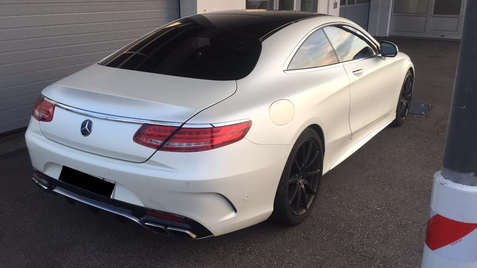 Mercedes AMG S63 Coup%C3%A9 Satin Pearl white Folierung Tuning C217 2 Mercedes AMG S63 Coupé mit Satin Pearl white Folierung