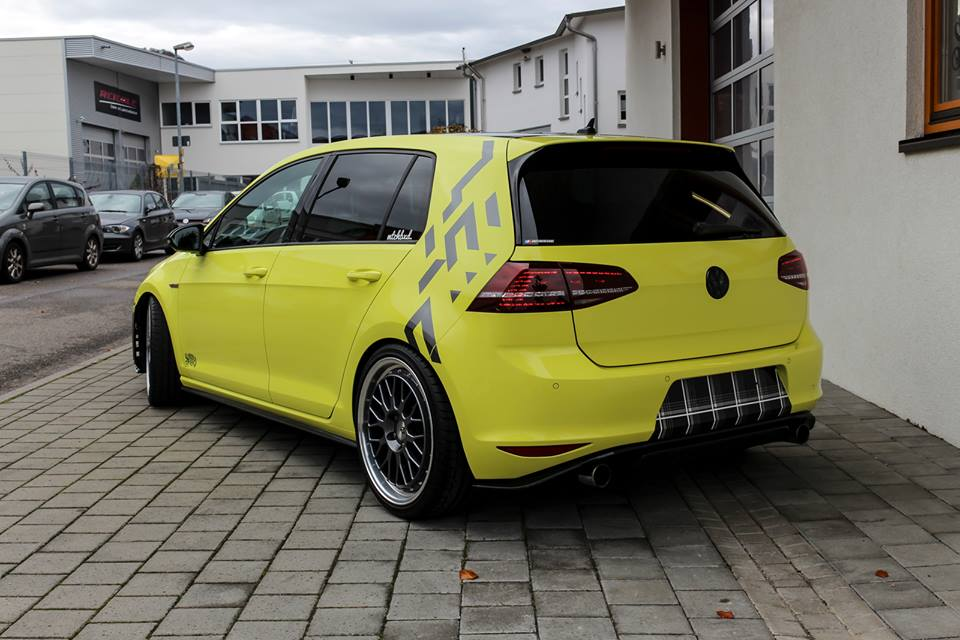 Ambulance Yellow Folierung VW Golf MK7 GTI Tuning 24 Unübersehbar   Ambulance Yellow am VW Golf GTI MK7