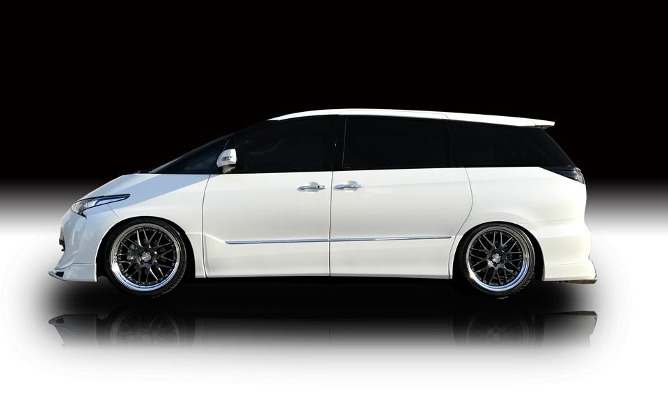 Rowen International Toyota Estima Bodykit 6 Rowen International   Toyota Estima mit rundum Bodykit