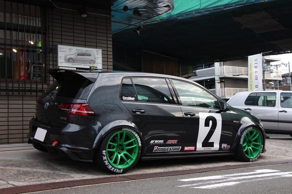 Voomeran VW Golf MK7 GTi auf Work Wheels Felgen Tuning (5)