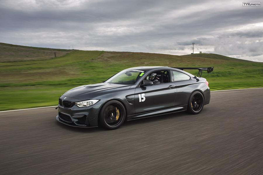 BMW M4 F82 Racing Parts Tuning 6 Ready to Race   BMW M4 F82 Coupe auf dem Track