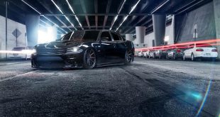 Dodge Charger SRT Bagged Ferrada FR4 Tuning 4 310x165 Volles Programm   Dodge Charger mit 4 x Lambo Doors