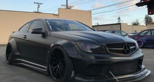 Liberty Widebody Mercedes C63 AMG W204 Zito ZF01 Tuning 5 310x165 Bitterböser Liberty Walk Mercedes C63 AMG auf Zito Wheels
