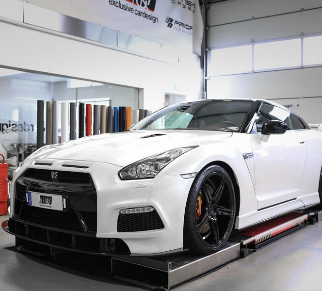 Nissan gt r r35 with pd750 body kit by m d exclusive for Nissan gtr bodykit
