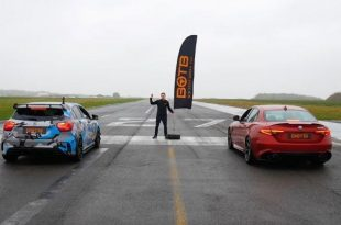 alfa romeo giulia races mercedes amg a45 tuning 2 310x205 Video: Dragrace   450PS Mercedes A45 AMG vs. Alfa Romeo Q.