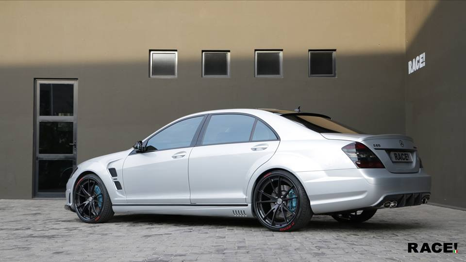 mercedes benz s65 amg w211 hre s204 tuning 1. Black Bedroom Furniture Sets. Home Design Ideas