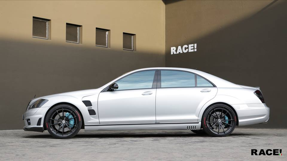 Mercedes Benz S65 AMG W211 HRE S204 Tuning 3 RACE! South Africa Mercedes Benz S65 AMG auf HRE Alu's