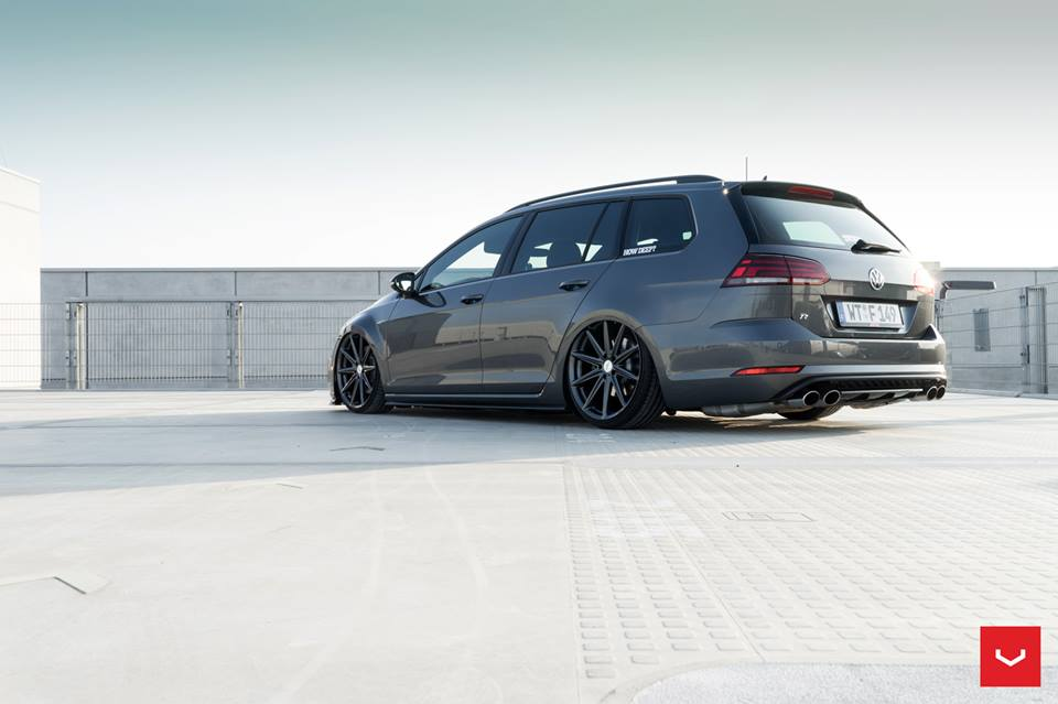 vw golf r variant mk7 airride vossen vfs 10 tuning 3. Black Bedroom Furniture Sets. Home Design Ideas