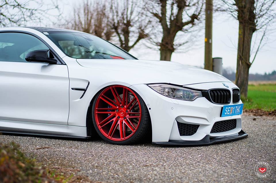 Vossen Wheels VPS 307T BMW M4 F82 Coupe Tuning 4 Vossen Wheels VPS 307T Alu's in rot am BMW M4 F82 Coupe