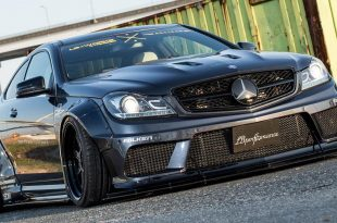 Liberty Walk Widebody Mercedes C63 AMG W204 3DSM Tuning 2 310x205 Liberty Walk Widebody Mercedes C63 AMG auf 3DSM Alu's