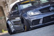 Liberty Walk Widebody Mercedes C63 AMG W204 3DSM Tuning 5 190x127 Liberty Walk Widebody Mercedes C63 AMG auf 3DSM Alu's
