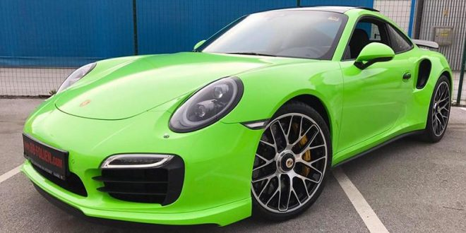Light Neon Grün am Porsche 991 Turbo S by BB-Folien