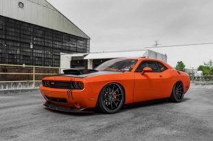 Dodge Challenger d'Orange Ferrada Roues Tuning FR4 10 310x205 Dodge Challenger Hemi orange sur roues Ferrada FR4