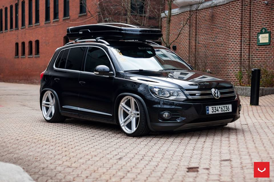 vossen wheels vfs 5 alufelgen am vw tiguan mit dachbox. Black Bedroom Furniture Sets. Home Design Ideas