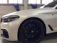 Diamond White Vollfolierung BMW G30 550i 2M Designs Tuning 2 190x143 Diamond White Vollfolierung am BMW G30 550i von 2M Designs