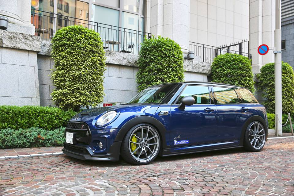 Célèbre DuelL AG Bodykit & OZ Leggera 's at the MINI Clubman F54  XZ76