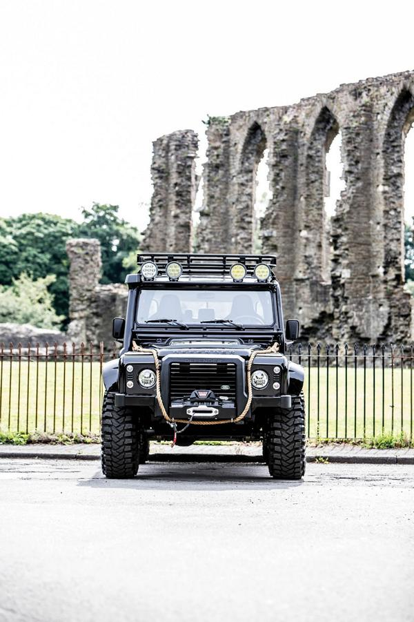 Tweaked Automotive LandRover Defender Spectre Tuning 10 Fotostory: Tweaked Automotive LandRover Defender Spectre