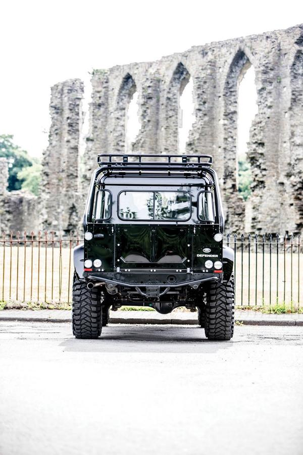 Tweaked Automotive LandRover Defender Spectre Tuning 11 Fotostory: Tweaked Automotive LandRover Defender Spectre