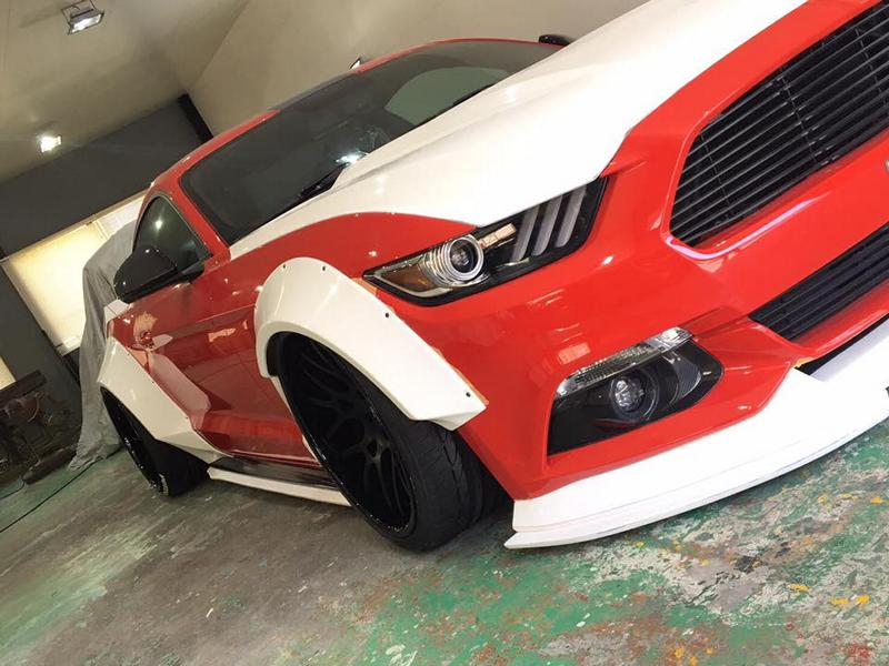 Liberty Walk Widebody Ford Mustang GT VI 2 In Arbeit   Liberty Walk Widebody Ford Mustang GT (VI)